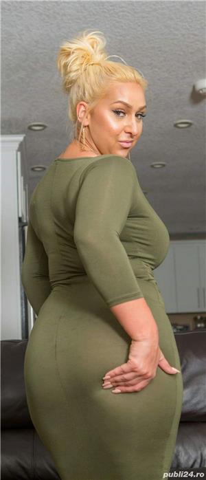 Curve Constanta: Blonda apetisanta