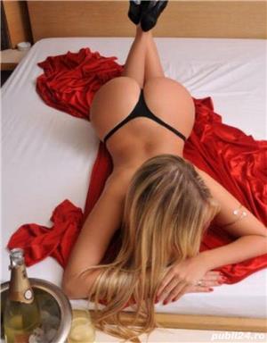 Curve Constanta: Ana te astept in locatia mea deplasari Hotel